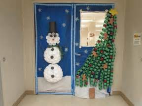winter door decorating contest overview
