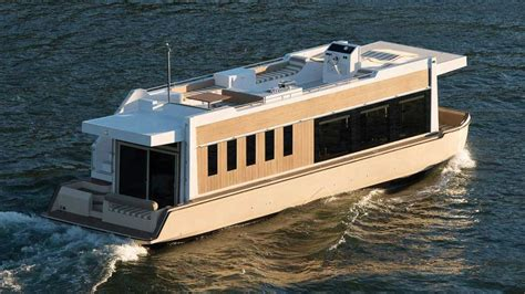 house boat us 49 crossover houseboat an evolution in yachting doovi