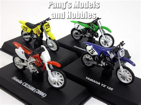 diecast motocross bikes dirt bike collection of 4 different 1 32 scale diecast