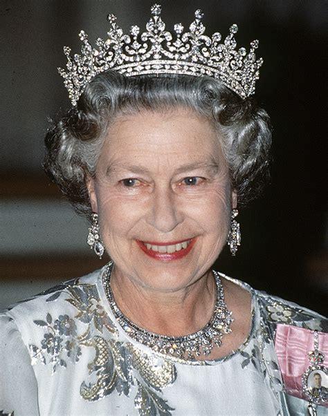 queen elizabeth 2 queen elizabeth ii faces first strike of her reign daily