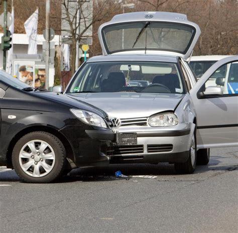 Verbandskasten Auto Kontrolle by Bad Rappenau Schwerer Unfall Auf Landstra 223 E Vier Tote
