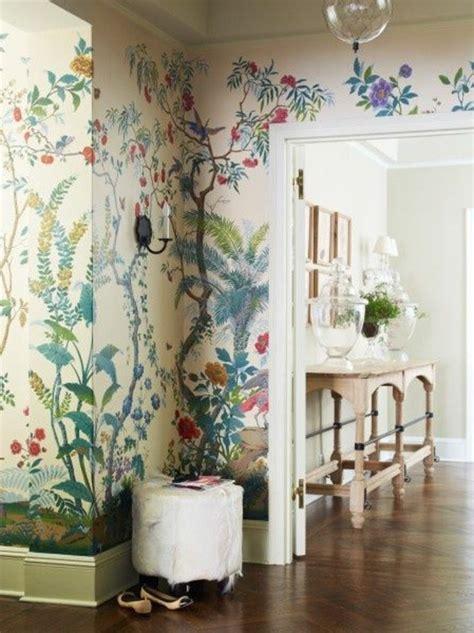 Exceptionnel Couleur Papier Peint Chambre #2: Idee-deco-couloir-papier-peint-color%C3%A9-motifs-florals-parquet-clair-couloir-chic.jpg
