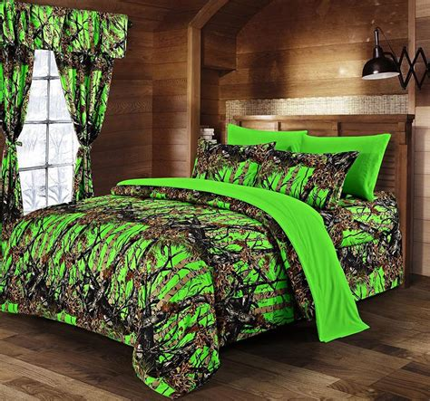 decorate your bedroom with camouflage bedding