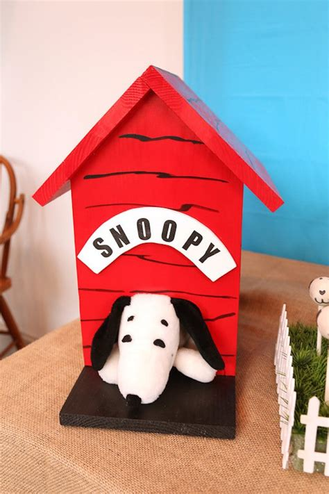 charlie brown dog house kara s party ideas peanuts charlie brown birthday party kara s party ideas