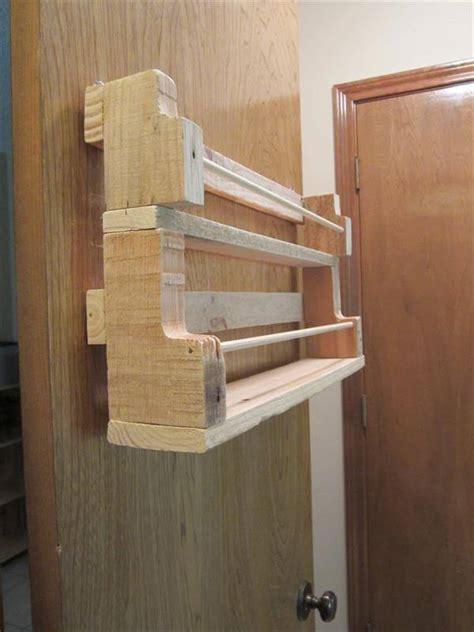 diy wooden pallet spice rack diy pallet wood spice rack 101 pallets