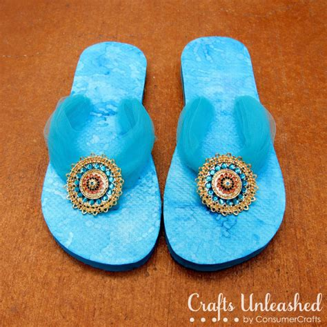 flip flop craft projects flip flop refashion with mod podge and styled by spelling