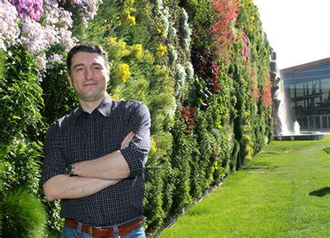iper i giardini sole e in fiore ora il giardino verticale pi 249 grande d europa
