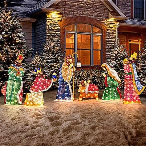 Stunning Outdoor Lighted Christmas Decorations It S Lighted Decorations For Yard