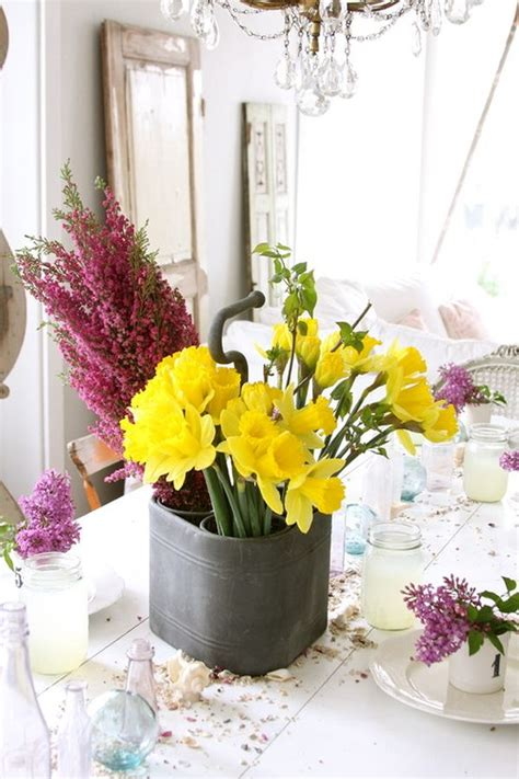 fresh flowers   room   house
