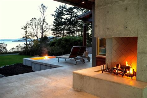 Outdoor Fireplace Modern by Image Gallery Modern Outside Fireplace