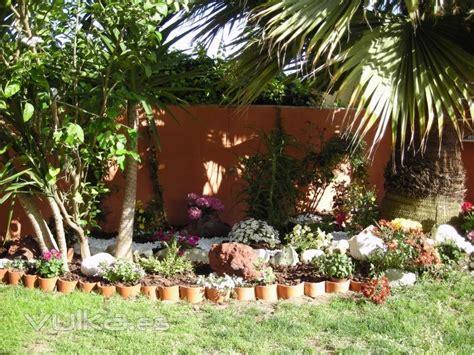 imagenes jardines rusticos jardines peque 241 os rusticos buscar con google jardines