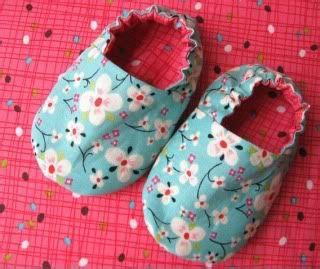 Baby Handmade Gifts - handmade gifts baby booties i think i ll make big