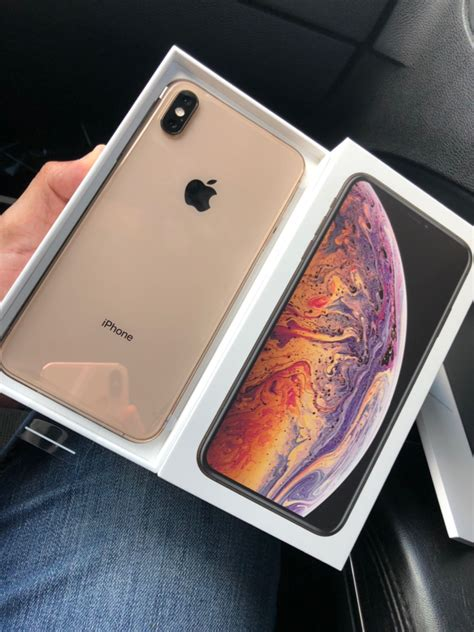 iphone xs max gold  hand macrumors forums