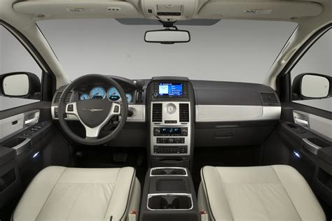 Chrysler Town And Country Interior by 2018 Chrysler Town And Country Interior Best Cars Review