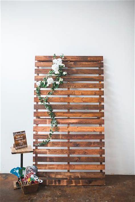 Wedding Backdrop Board by Pallet Board Backdrop Wedding Ideas