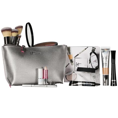 Grammys Gift Bag by See Inside Newbeauty S Exclusive Grammys Gift Bag