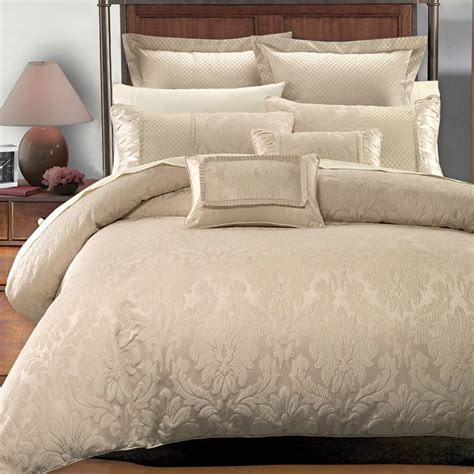 7 piece sara jacquard duvet cover sets by royal hotel