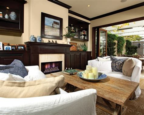 10 decorative living room with ceiling molding ideas 17 best images about crown molding on pinterest painted ceilings french chandelier and