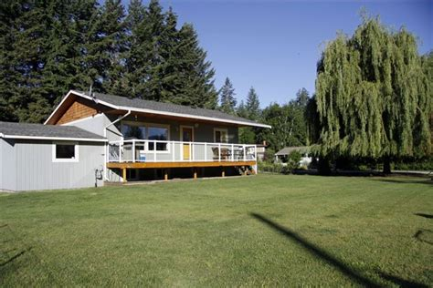 Shuswap Cottage Rentals by Steps From Shuswap Lake Blind Bay Vacation Vrbo