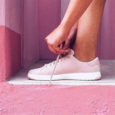comfortable stylish travel shoes best 25 walking shoes ideas on pinterest fashionable