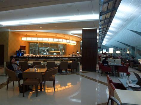 Emirates Lounge Dubai | emirates business class lounge in dubai the luxe insider