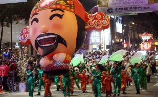 new year parade route hk tens of thousands flock to hong kong s annual lunar new