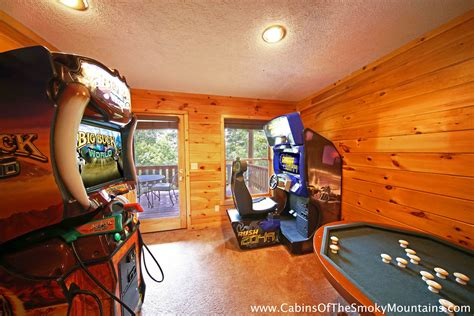8 bedroom cabins in pigeon forge gatlinburg cabins with arcade 28 images pigeon forge