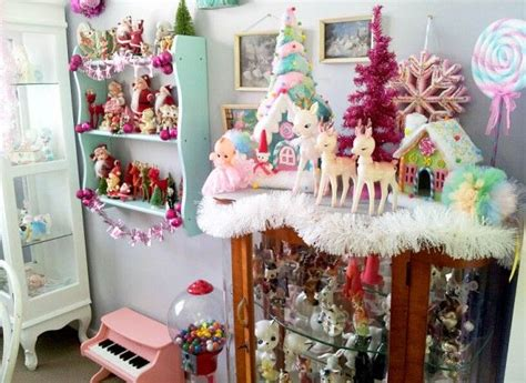 kitsch home decor 1000 ideas about christmas home decorating on pinterest