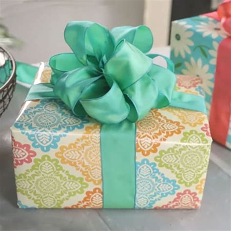How To Make A Ribbon Bow Out Of Paper - giftology how to make a bow out of ribbon