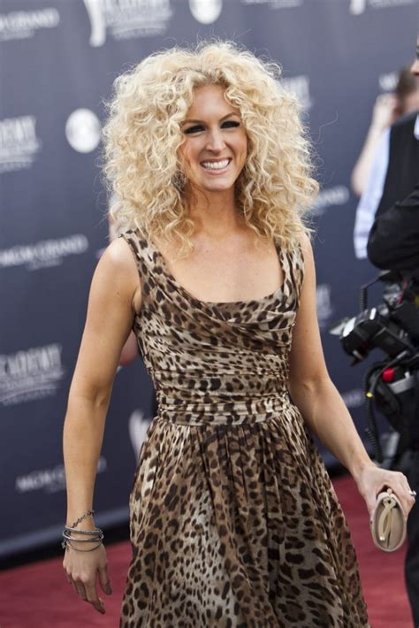 curly haircuts chicago 25 best ideas about big town on pinterest weekend fun