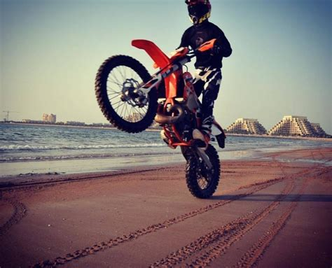 how to wheelie a motocross bike learn to do dirt bike wheelies mxdubai