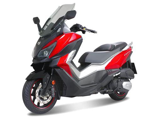 sym cruisym  abs  neo ari maxi scooter