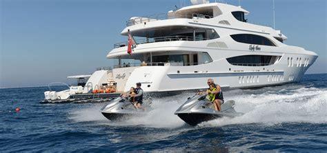yacht broker jobs mettre mon bateau en mode charter pourquoi pas ita