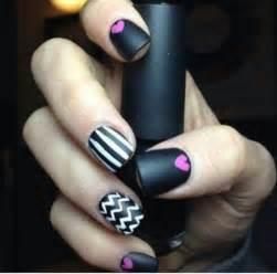 Simple matte nail art designs for beginners 33 jpg