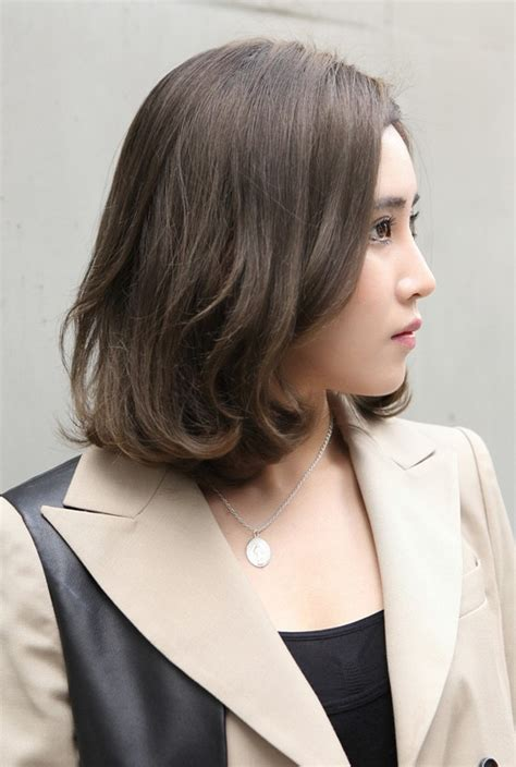 japanese haircut for thin hair classic bob sophisticated professional look