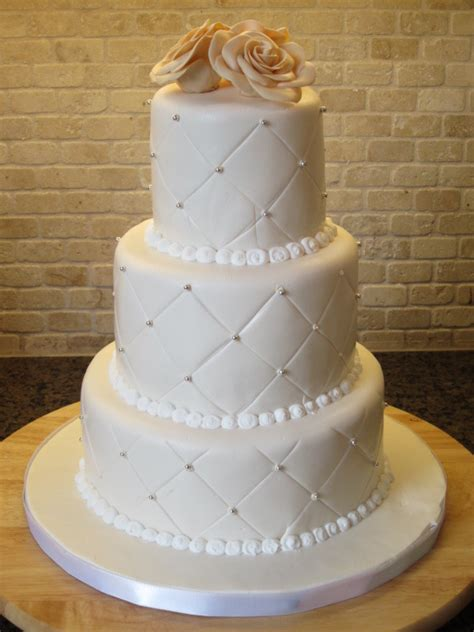 three types of wedding cakes