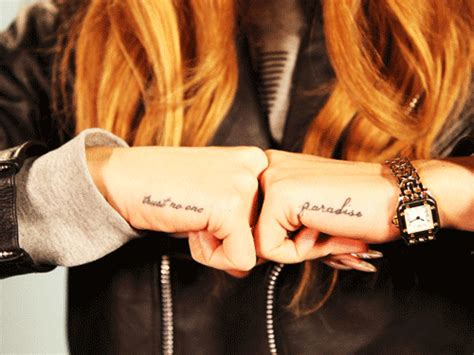 lana del rey hand tattoo tattoos trust no one quotes quotesgram