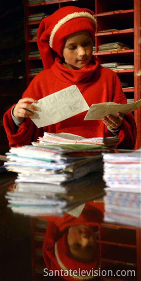 bureau du pere noel photo lutins du p 232 re no 235 l dans le bureau de poste