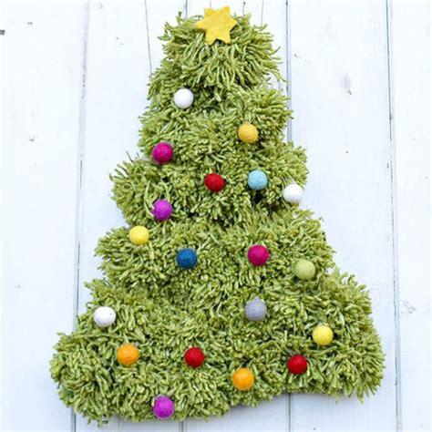 tappeto per albero di natale 30 idee per alberi di natale da parete fai da te