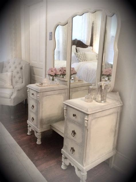 White Vanity Dresser by Best 25 Refinished Vanity Ideas On Painted