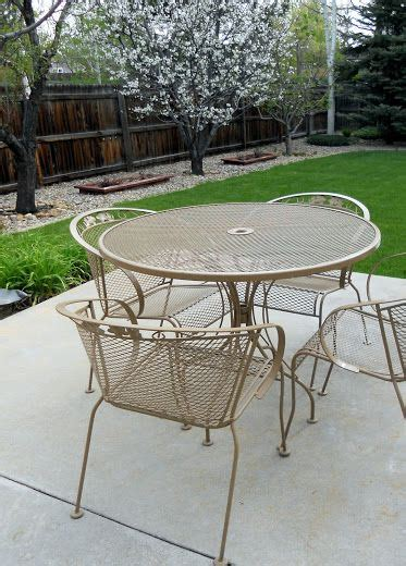 Refinish Iron Patio Furniture by 25 Best Ideas About Iron Patio Furniture On