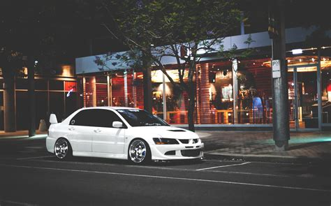 mitsubishi evo 8 wallpaper mitsubishi evolution viii wallpapers hd download