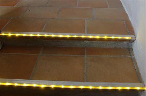 beleuchtung treppenstufen aussen stufen beleuchtung glas pendelleuchte modern