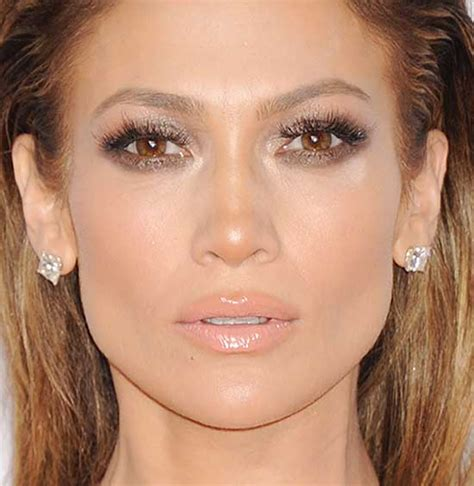 what lipstick and gloss does jennifer lopez wear what makeup does jennifer lopez wear