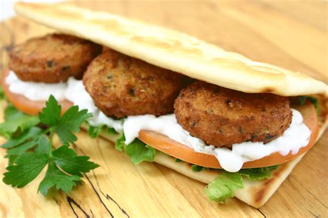 falafel sandwich food pinterest