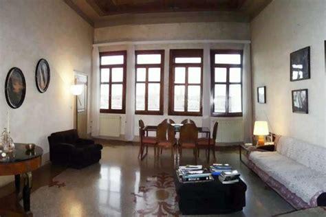 appartamenti a in vendita appartamento in vendita a venezia con grandi vetrate