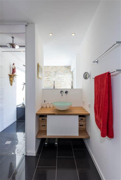 badezimmer frankfurt bad mit offenem raumkonzept minimalistisch badezimmer