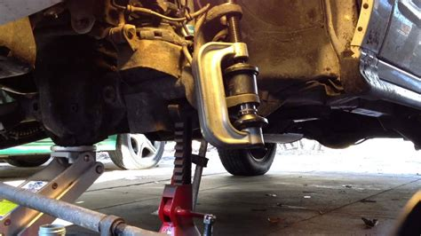 Joint Lower D Gran Max wj joint removal and installation