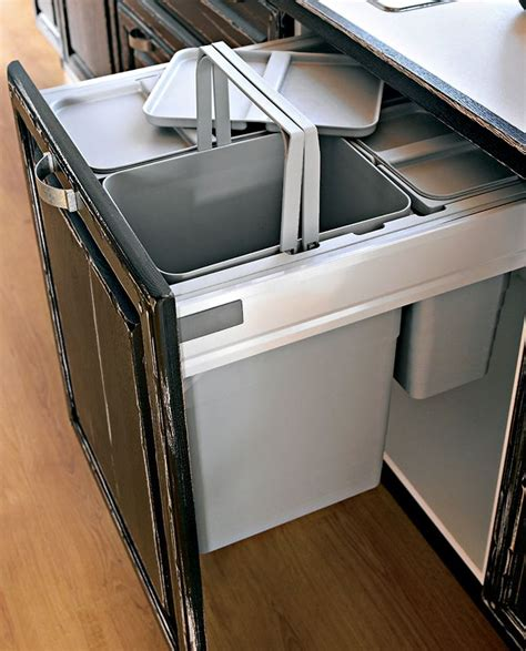 poubelle int馮r馥 meuble cuisine meuble poubelle sagne cuisines