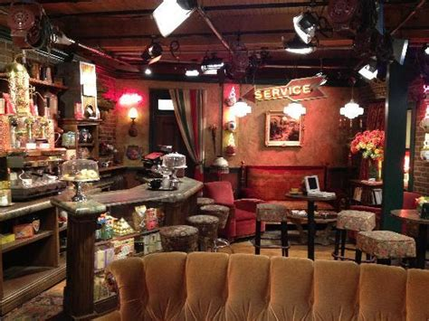 Friends Set the retired friends set central perk picture of warner bros studio tour burbank